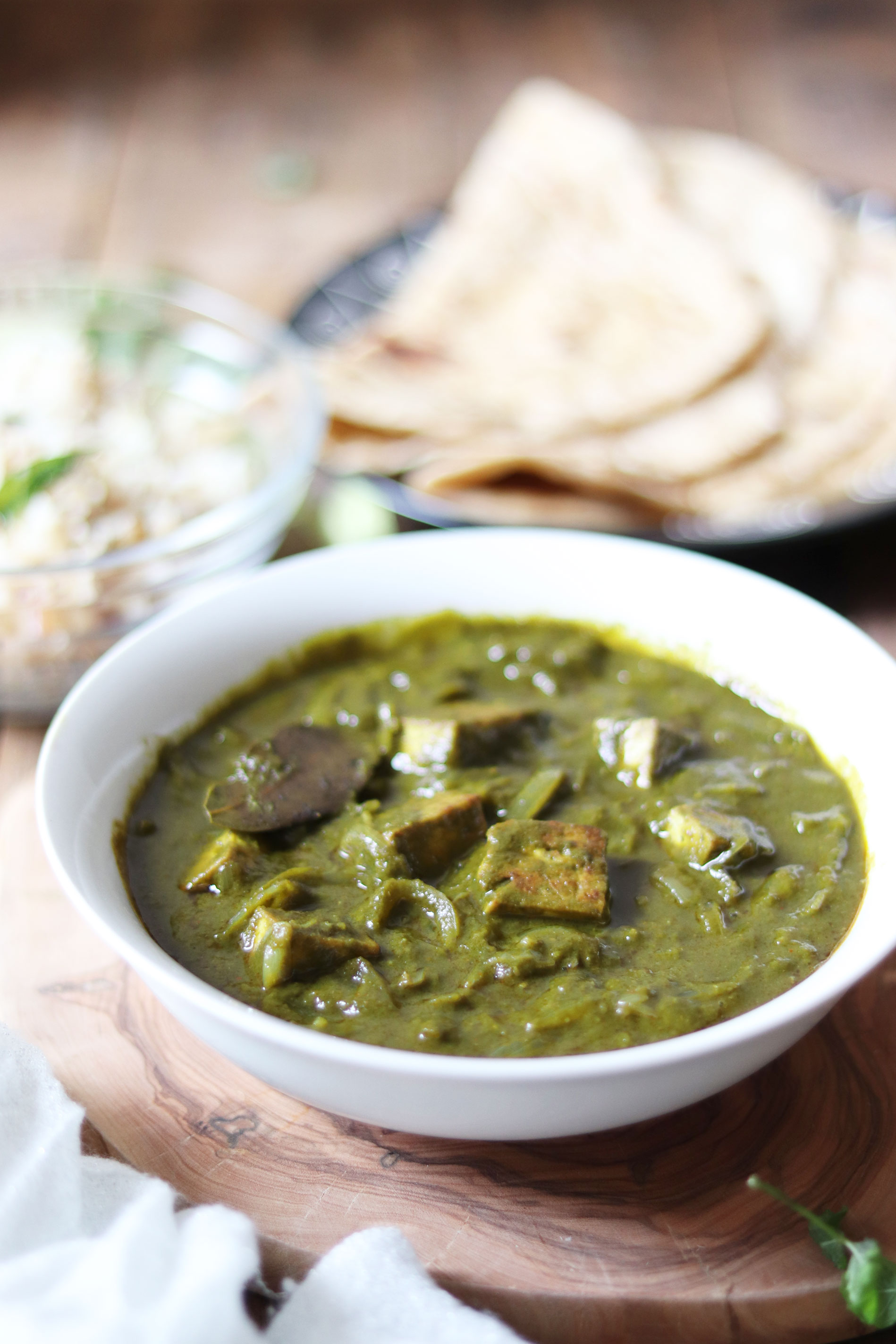 Tofu and spinach curry (tofu palak)